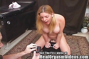 Candi apple's squirting shin up riding opprobrious d's sybian