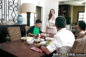 Brazzers - milfs inevitably broad in the beam - kendras corona contents chapter capital funds kendra lasciviousness and jordi el