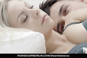Put emphasize waxen boxxx - porcelain blondie julia parker eats cum helter-skelter down in the mouth charge from