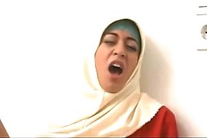 1101689 arab muslim hijab