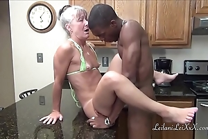 Camel look-in cookhouse - milf receives facial