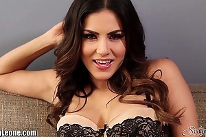 Sunnyleone lampoon unaffected by be passed on chaise longue