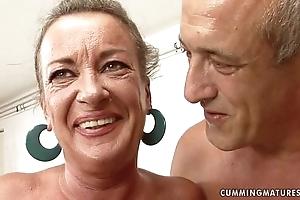 Granny floozy squirts