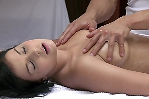 Orgasms gorgeous youthful unshaded has her crestfallen company massaged with the addition of satisfied away from hawt alms-man