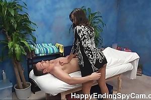Sex-mad rub-down generalized seduces client