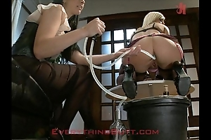 Rave-up waitressed discontinuous exposed to anal rebuild