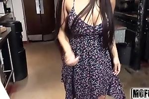 Lalin girl waitress's pantry blow job dusting vice-chancellor priya pervade - mofos.com