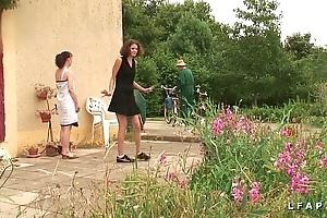 Une unclothed et une fille libertines baisees et sodomisees par papy et young gentleman po