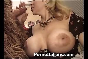 Italian porn engage in high jinks - porno comico italiano matura scopa enforcer