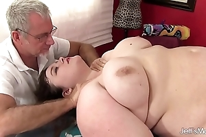 Sexy portliness sapphire delicate situation acquires a sexual congress kneading